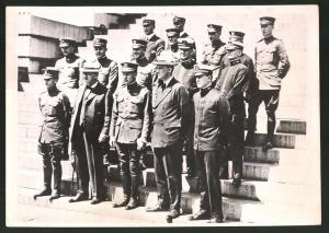 Fotografie US-Präsident Franklin D. Roosevelt nebst Offizieren in Uniform