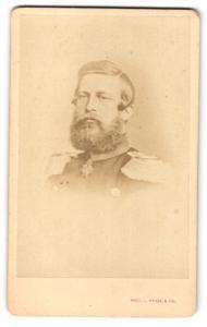 Fotografie Portrait Kronprinz Friedrich Wilhelm von Prussen in Uniform mit Orden