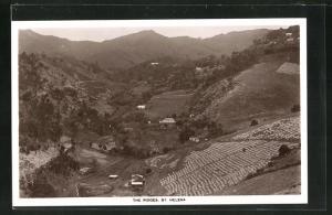 AK St. Helena, The Ridges