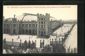 AK Valencia, Estacion del Norte, Fachada principal y patio recayente a la calle de Bailen, Bahnhof