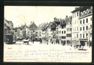 AK Basel, Fischmarkt mit Schwanengasse und Strassenbahn