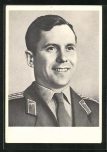 AK Portrait des Kosmonauten Popowitsch in Uniform