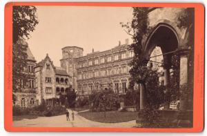 Fotografie Edm. v. König, Heidelberg, Ansicht Heidelberg, Schloss mit Schlosshof