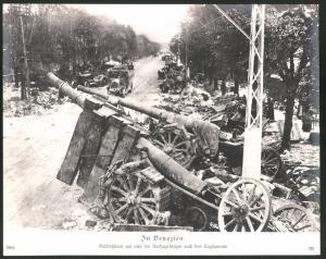 Fotografie 1.WK, Venezien, Geschützbeute auf einer Rückzugsstrasse nach dem Tagliamento, Grossformat 29 x 24cm