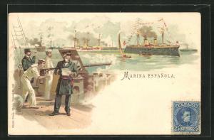 Lithographie Kriegsschiff Marina Espanola, Schiessübungen auf einem spanischen Kriegsschiff