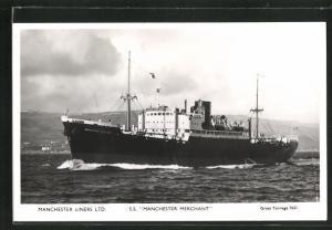 AK Handelsschiff S.S. Manchester Merchant in voller Fahrt, Manchester Liners Limited