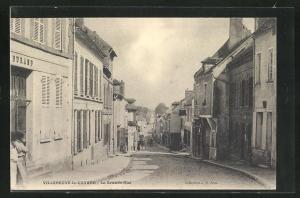AK Villeneuve-la-Guyard, La Grande-Rue, Strassenpartie