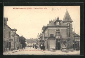 AK Migennes-Laroche, L`Avenue de la Gare, Cafe, Pharmacy