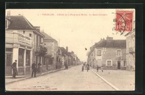 AK Vincelles, L`Hotel de la Poste et la Mairie, La Route d`Auxerre