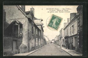 AK Bleneau, Rue d`Orleans Maison de l`epoque des guerres enire Turenne et Conde