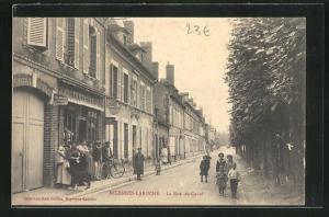AK Laroche-Migennes, La Rue du Canal