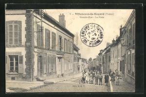 AK Villeneuve-la-Guyard, Grande-Rue - La Poste