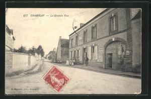 AK Champlay, La Grande Rue, Strassenpartie