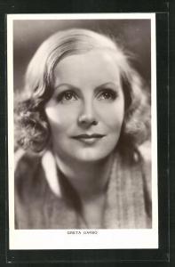 AK Schauspielerin Greta Garbo mit bezauberndem Lächeln