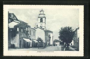AK Arquata Scrivia, Strassenpartie mit Kirchblick