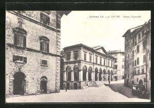 AK Cortona, Häuser an der Piazza Signorelli