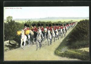 AK Scots Greys on Fild Day, Soldaten in Uniformen zu Pferde