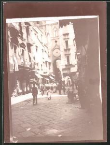 Fotografie Fotograf unbekannt, Ansicht Neapel, Strassenansicht mit Drogerie-Farmacia