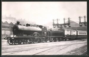 Fotografie Eisenbahn Grossbritannien, Dampflok Nr. 1737, Personenzug mit Tender-Lokomotive