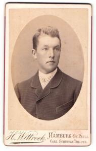 Fotografie H. Wittrock, Hamburg-St. Pauli, Portrait junger charmanter Herr im Anzug
