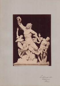 Fotografie Fotograf unbekannt, Ansicht Vatikanstadt, Statuen Laokoon-Gruppe im vatikanischen Museum, 31 x 42cm