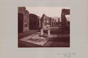 Fotografie Fotograf unbekannt, Ansicht Pompeji, Casa di Cornelio Rufo, Grossformat 42 x 31cm