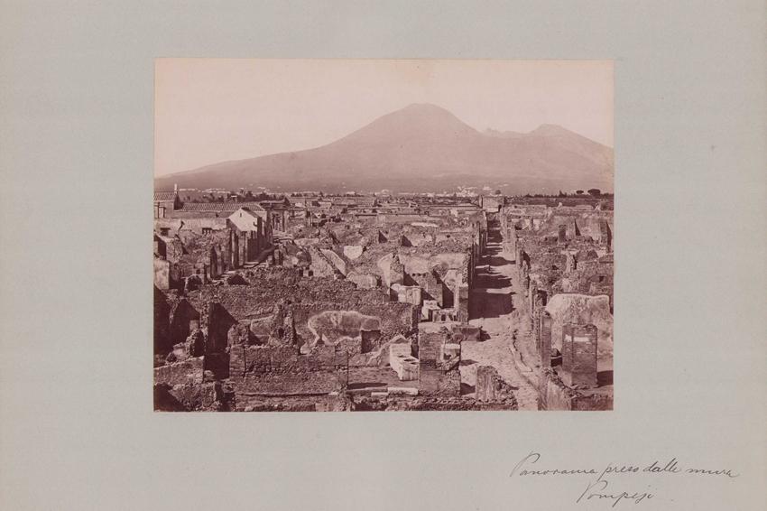 Fotografie Fotograf unbekannt, Ansicht Pompeji, Panorama der antiken Ruinenstadt, Grossformat 42 x 31cm 0