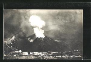 AK Vesuvio, Il piccolacoro nel gran Cratere