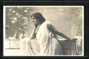 AK Junge Frau blickt nachdenklich in die Ferne, Réverie, Allegorie