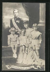 AK La Vaillante Famille Royale de Belgique