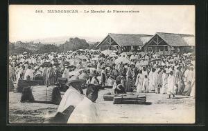 AK Fianarantsoa, Le Marché, Buntes Treiben auf dem Markt