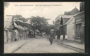 AK Tamatave, Rue du Commerce, Häuser- und Geschäftsfassaden