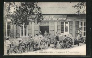 AK Fianarantsoa, Transports, Händler mit Karren und Waren