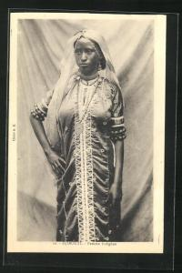AK Djibouti, Femme indigène, Frau in Tracht