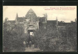 AK Angkor-Wat, Porte N. -O. de la premiere enceinte