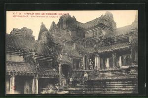 AK Angkor-Wat, Cour interieure de la Galerie en croix