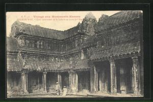 AK Angkor-Wat, Cour interieure de la Galerie en croix 1er Etage
