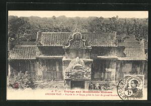 AK Angkor-Wat, Facade du 3e Etage, prise du haut du grand Escalier