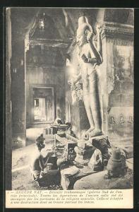 AK Angkor-Vat, Divinite brahmamique, Galerie Sud de l`entree principale
