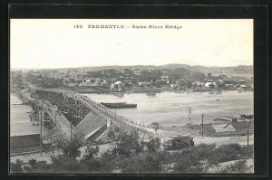 AK Fremantle, Swan River Bridge, Partie mit Strassenbahn