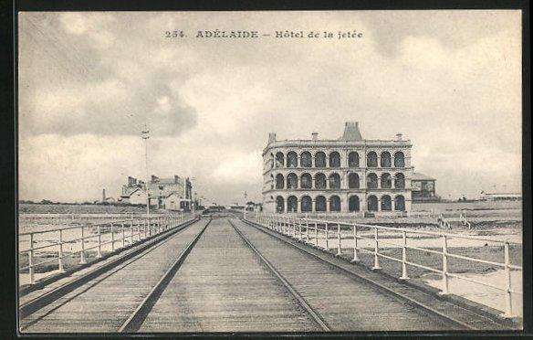AK Adelaide, Hôtel de la jetée 0