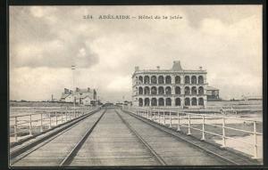 AK Adelaide, Hôtel de la jetée