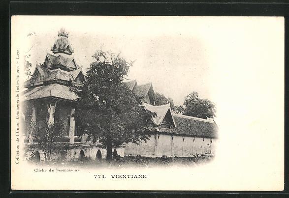 AK Vientiane, Blick auf Haus mit Pagode 0