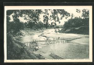 AK Luang-Prabang, Un pont de bambous
