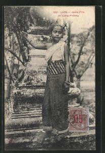 AK Luang-Prabang, Jeune Fille, Mädchen in Tracht