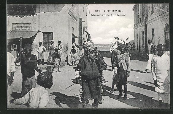 AK Colombo, Mascarade Indienne, Mann mit Maske in Strasse 0