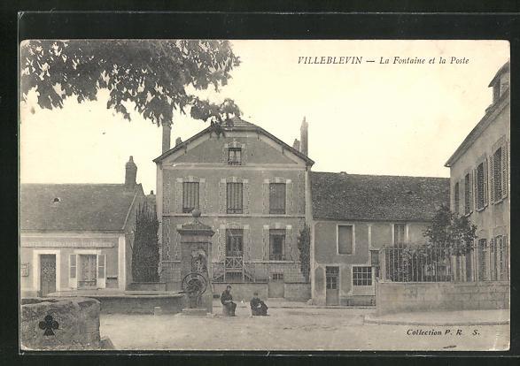 AK Villeblevin, La Fontaine et la Poste 0