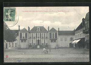 AK Villeneuve-l`Archeveque, La Place et l`Ecole des Garcons