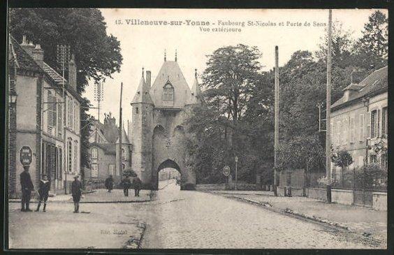 AK Villeneuve-sur-Yonne, Faubourg St-Nicolas et Porte de Sens, Vue exterieure 0