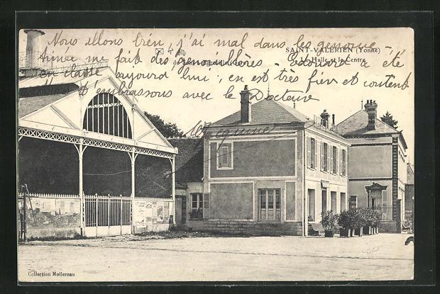 AK Saint-Valerien, La Halle et le Centre 0